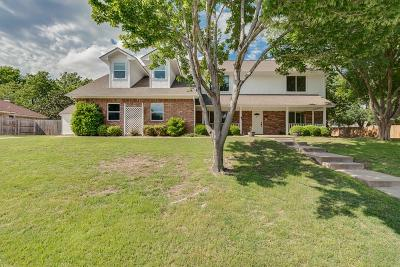 Benbrook Single Family Home For Sale: 1221 Brazos Drive