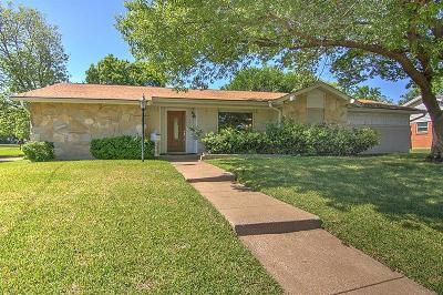 Farmers Branch Single Family Home For Sale: 3323 Pine Tree Circle