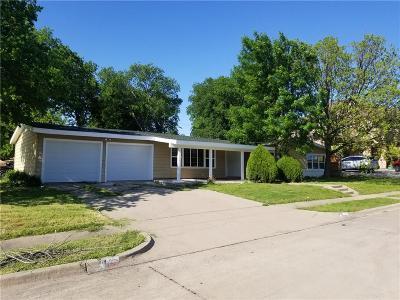 Haltom City Single Family Home For Sale: 3332 Katrine Court