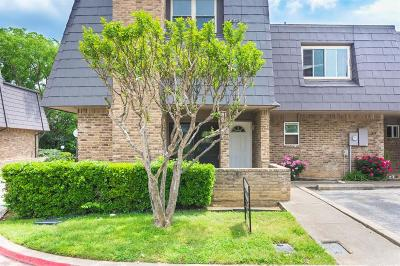 Euless Townhouse Active Option Contract: 207 E Harwood Road #20