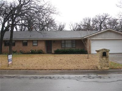 Hurst Residential Lease For Lease: 525 Circleview Drive N