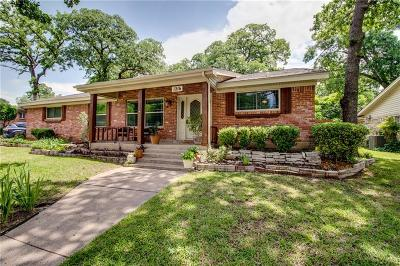 Hurst Single Family Home For Sale: 1216 Brookside Drive