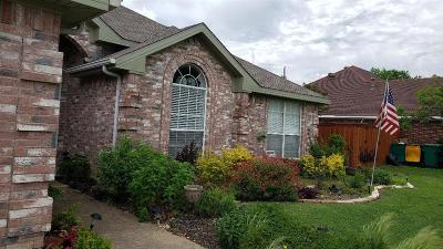 Cedar Hill Single Family Home Active Kick Out: 908 Busby Drive