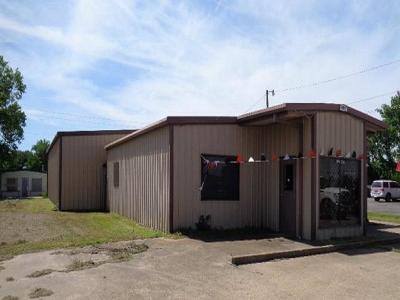 Commercial For Sale: 210 State Highway 31 E