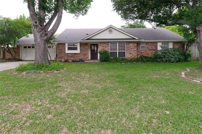 Grapevine Single Family Home Active Option Contract: 2930 Robindale Lane