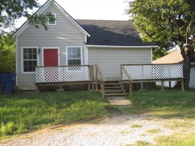 Grayson County Single Family Home For Sale: 410 E Shepherd