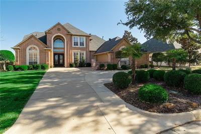 Tarrant County Single Family Home For Sale: 922 Fairway View Drive