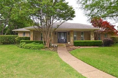 Dallas Single Family Home For Sale: 6836 Hillwood Lane