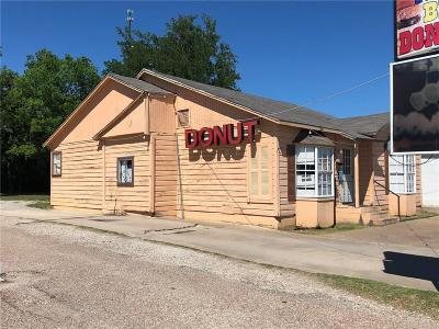 Mineral Wells Commercial For Sale: 905 1st Street