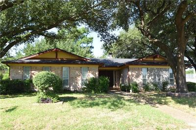Garland Single Family Home For Sale: 402 Colonial Drive