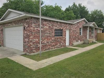 Euless Single Family Home For Sale: 711 Broadway Avenue