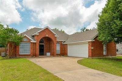 Mansfield Single Family Home For Sale: 1614 Brittany Lane