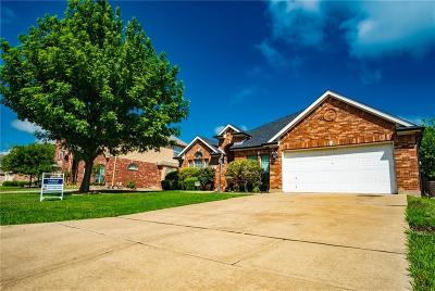 Mansfield Single Family Home For Sale: 707 Manchester Drive
