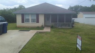 Denton County Single Family Home For Sale: 513 N Snyder Avenue