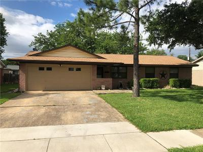 Farmers Branch Single Family Home For Sale: 3041 Cameo Lane