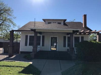 Baylor County Single Family Home For Sale: 611 N Arkansas Street
