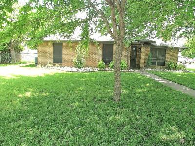 Krum Single Family Home For Sale: 2 Christi Lane