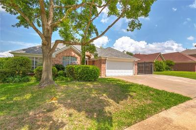 Benbrook Single Family Home Active Option Contract: 10188 Fieldcrest Drive