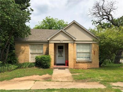 Palo Pinto County Single Family Home Active Kick Out: 215 SW 5th Avenue