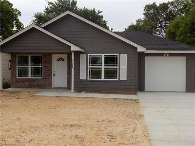 Cleburne Single Family Home Active Option Contract: 913 Phillips Street