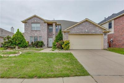 North Richland Hills Single Family Home For Sale: 5633 Meadows Way