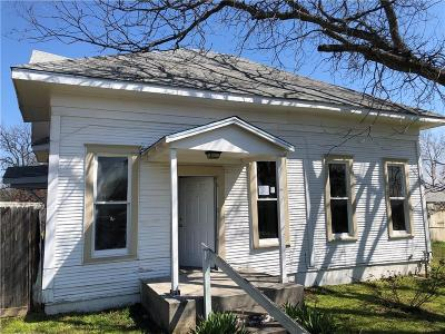 Comanche County Single Family Home For Sale: 200 N Elm Street
