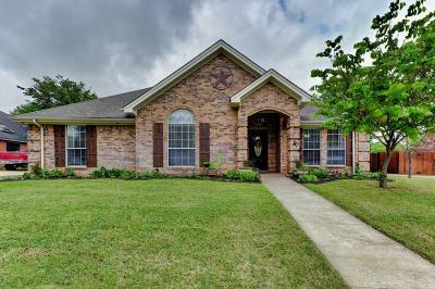 Azle Single Family Home For Sale: 1733 Spinnaker Lane