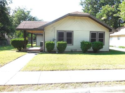Denton Single Family Home Active Option Contract: 317 Egan Street