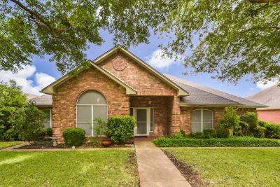 Waxahachie Single Family Home For Sale: 223 Sioux Drive