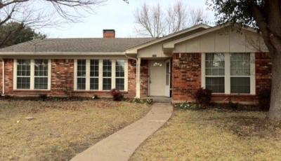 Garland Single Family Home For Sale: 2425 Emerson Drive