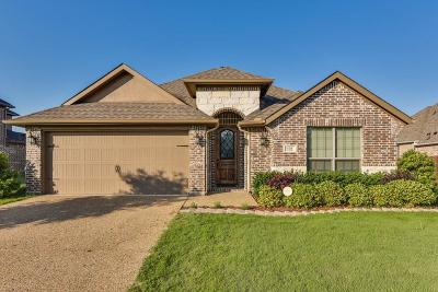 Waxahachie Single Family Home For Sale: 102 Manor Lane