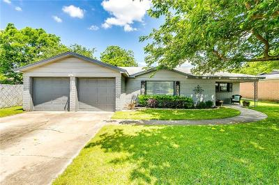North Richland Hills Single Family Home For Sale: 3552 Garwood Drive