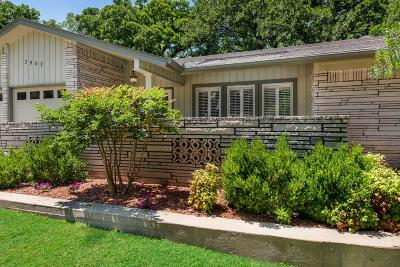 Arlington Single Family Home For Sale: 2807 Oak Cliff Lane