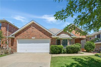 Fort Worth TX Single Family Home For Sale: $276,000