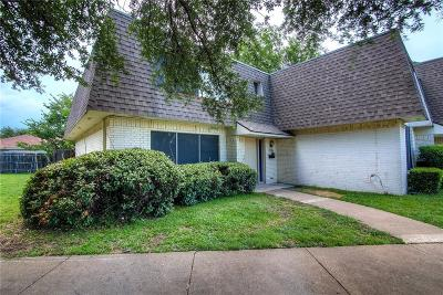 Fort Worth Townhouse For Sale: 1751 Belshire Court