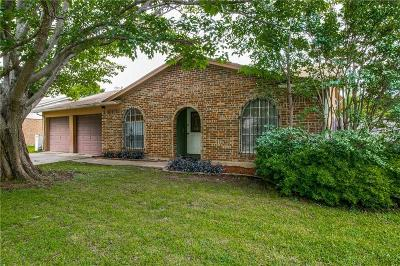 Single Family Home For Sale: 6512 Riddle Drive