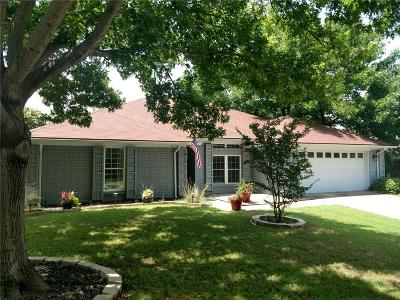 Hurst Single Family Home For Sale: 317 Marseille Drive