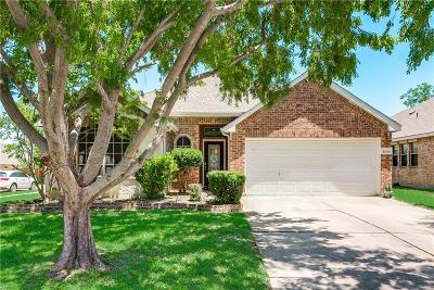 Grand Prairie Single Family Home For Sale: 5840 Crestview Drive
