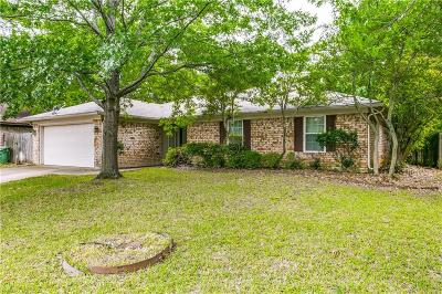 North Richland Hills Single Family Home For Sale: 7604 Parkway Drive