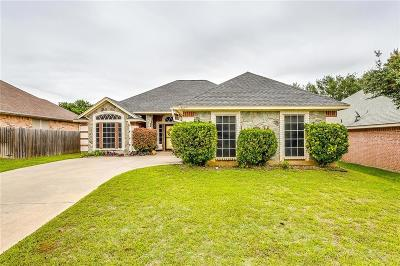Burleson Single Family Home For Sale: 916 Rolling Meadows Drive