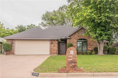 Burleson Single Family Home For Sale: 1104 Rock Ridge Drive