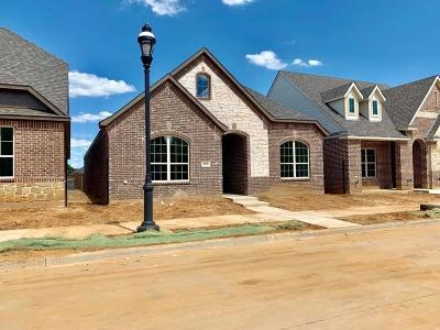 North Richland Hills Single Family Home For Sale: 6936 Heather