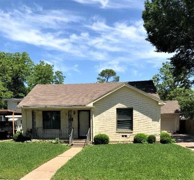 Haltom City Single Family Home For Sale: 3921 Earl Street