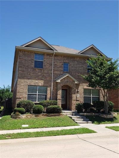 Cross Roads Single Family Home For Sale: 9013 Spurs Trail