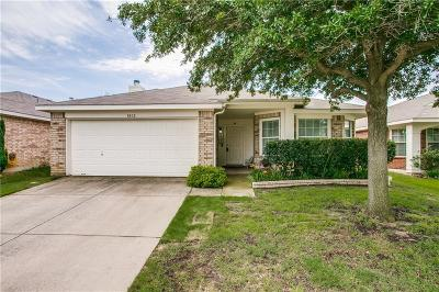 Cross Roads Single Family Home For Sale: 8812 King Ranch Drive