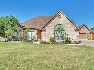 Fort Worth Single Family Home For Sale: 8621 Funtier Court