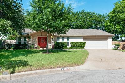 North Richland Hills Single Family Home Active Contingent: 5309 Holiday Court
