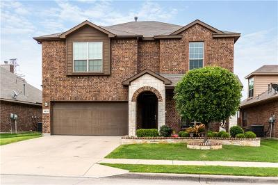 Fort Worth Single Family Home For Sale: 8220 Misty Water Drive
