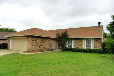 Euless Single Family Home For Sale: 2613 Sprucewood Lane
