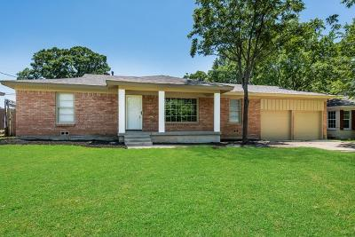 Hurst Single Family Home For Sale: 301 Sheri Lane
